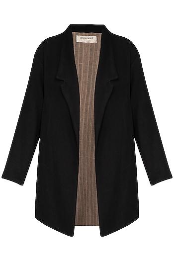 Black Textured Oversized Jacket by Urvashi Kaur