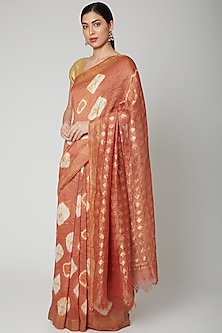 Blush Pink Printed Saree Set by Varastraa