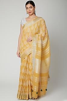 Yellow Printed Saree Set by Varastraa
