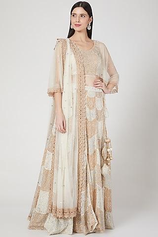 Ivory & Beige Embroidered Lehenga Set by Vandana Sethi