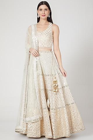 Ivory & Gold Embroidered Lehenga Set by Vandana Sethi