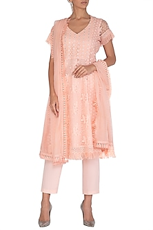 Peach Embellished Kurta Set by Vandana Sethi