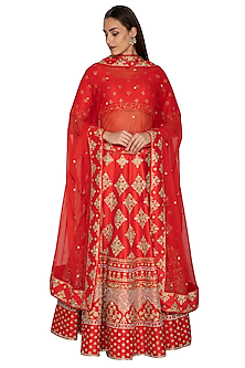 Red Zari Embroidered Lehenga Set by Vandana Sethi