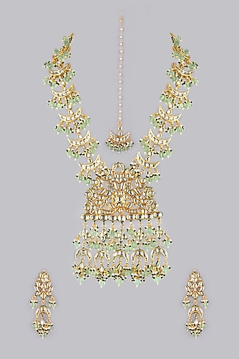 Gold Finish Kundans & Beads Necklace by VASTRAA Jewellery