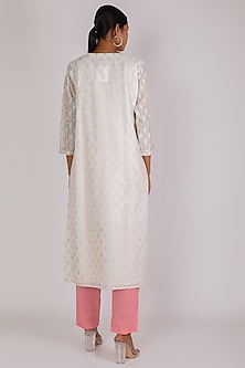 White & Pink Cotton Kurta Set by Vastraa