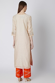 Off White & Red Embroidered Kurta Set by VASTRAA