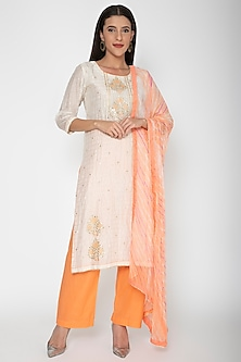 Beige & Peach Embroidered Kurta Set by VASTRAA