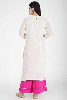 Off White & Pink Embroidered Kurta Set by VASTRAA