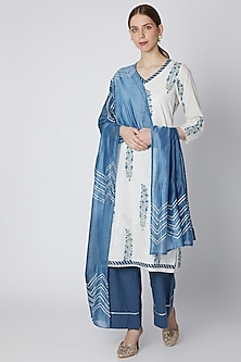 Blue Printed Kurta Set by VASTRAA