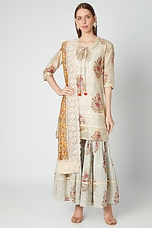 Off White & Mustard Printed Kurta Set by VASTRAA