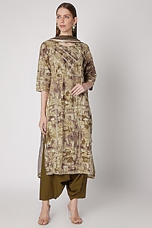 Mehendi Green Printed Kurta Set by VASTRAA