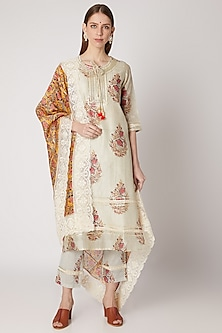 Off White & Mustard Kurta Set With Print by VASTRAA