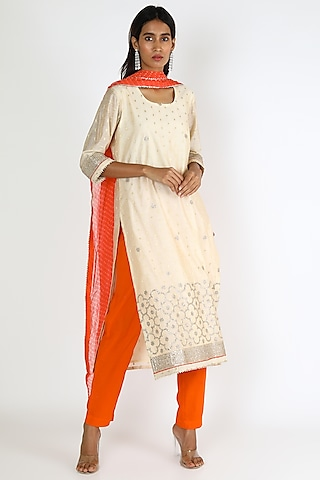 White & Red Embroidered Kurta Set by VASTRAA