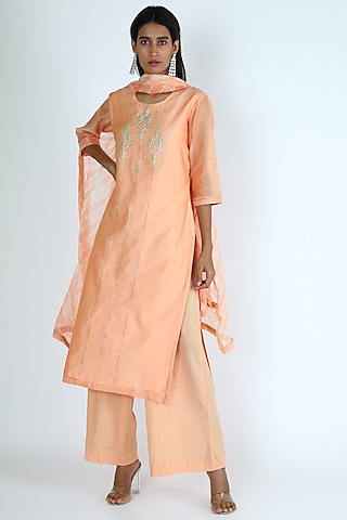 Peach Embroidered Kurta Set by VASTRAA