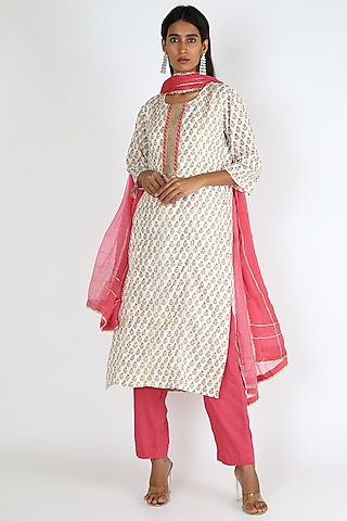 White & Hot Pink Embroidered Kurta Set by VASTRAA