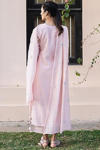 Blush Pink Embroidered Kurta Set by Vaayu
