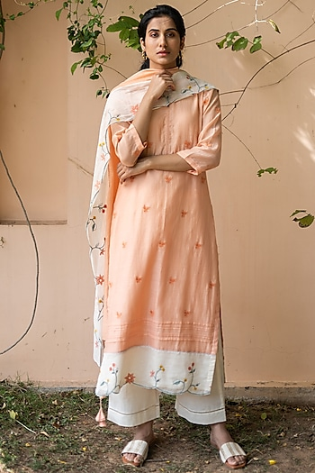 Coral Thread Embroidered Kurta Set by Vaayu