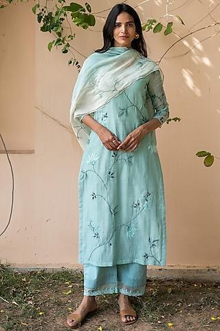 Turquoise Embroidered Kurta Set by Vaayu