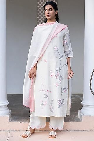Pearl White & Rose Pink Embroidered Kurta Set by Vaayu