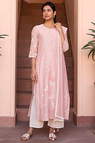 Salmon Pink & Pearl White Embroidered Kurta Set by Vaayu
