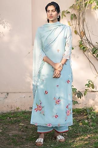 Sky Blue Embroidered Kurta Set by Vaayu