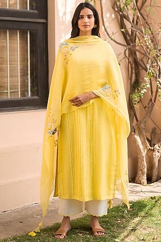 Sunbeam Yellow Embroidered Kurta Set by Vaayu