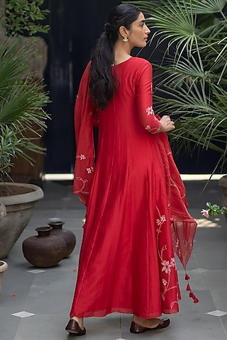 Poppy Red Floral Anarkali With Dupatta by Vaayu