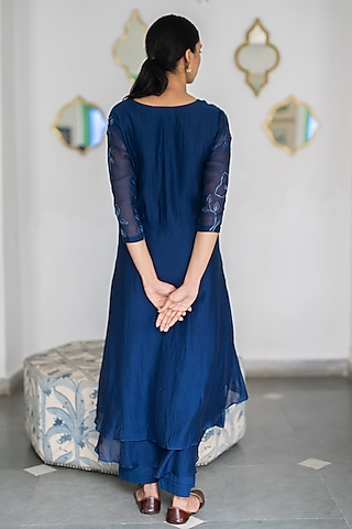 Sapphire Blue Embroidered Kurta With Pants by Vaayu
