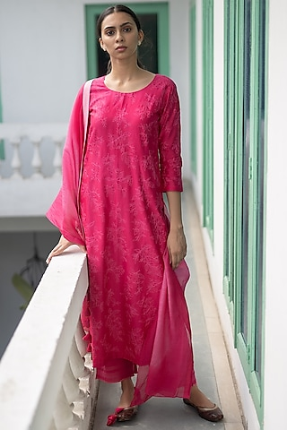 Berry Red Aari Work Kurta Set by Vaayu
