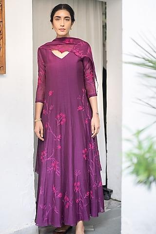 Plum Purple Aari Work Kurta Set by Vaayu