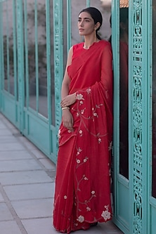 Poppy Red Embroidered Saree Set by Vaayu
