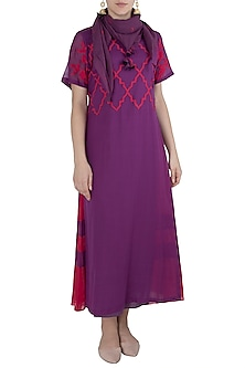 Purple Layered Kurta with Scarf by Vaayu