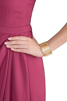 Gold Finish Handcrafted Openable Kundan Bangle by VASTRAA Jewellery
