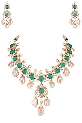 Gold plated emerald, kundan and pearl necklace set by VASTRAA Jewellery