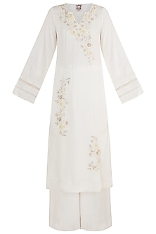 Ivory Embroidered Kurta Set by Varsha Wadhwa
