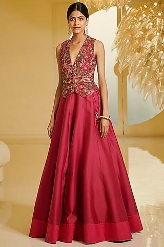 Fuchsia Embroidered Skirt Set by Varun Bahl