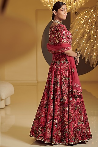 Rose Pink Thread Embroidered Lehenga Set by Varun Bahl