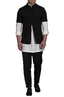 Ivory Kurta Set With Black Bundi Jacket by Varun Bahl Men