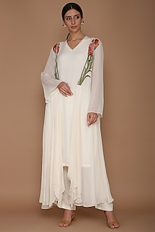Ivory Kurta With Pants & Embroidered Cape by Varun Bahl