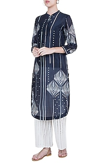 Midnight blue kurta by Varun Bahl Pret