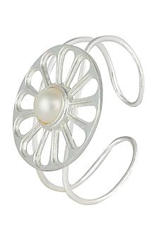 Silver plated stone wheel cuff by Valliyan by Nitya Arora