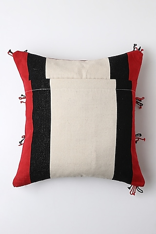 White Akumto Cushion Cover by Vekuvolu Dozo