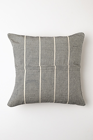 White Sorhi Cushion Cover by Vekuvolu Dozo