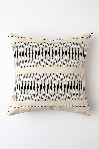 White Riikra Cushion Cover by Vekuvolu Dozo