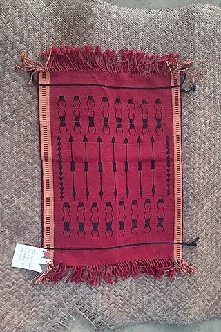 Red & Black Cotton Handwoven Table Mat by Vekuvolu Dozo