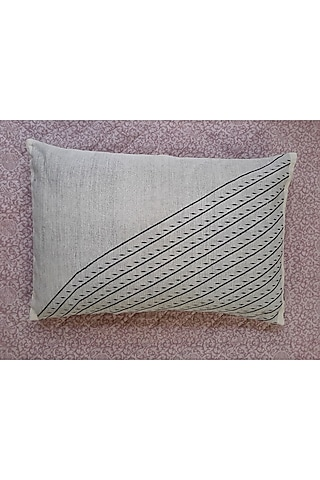 White & Black Cotton Handwoven Tika Pillows (Set of 2) by Vekuvolu Dozo