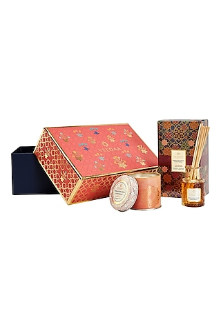 Multi Colored Himalayan Cedar & Patchouli Candle & Diffuser Set by VEEDAA