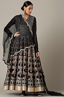 Black Embroidered Anarkali Set by Varun Nidhika