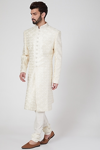 White Sherwani Set With Thread Work by Vanshik