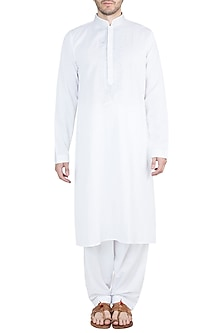 White Embroidered Kurta With Pyjama Pants by Vanshik